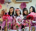 Bridal Shower Irish Bella Digelar dengan Tema Serba Pink