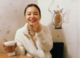 Lee Hi Elegan Bermandikan Glitter Emas Di Teaser Video Comeback 'No One'