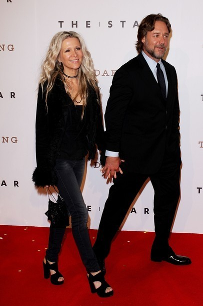 Foto Russell Crowe dan Danielle Spencer di Pesta Pembukaan The Star