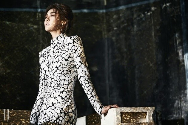Foto Ha Ji Won di Majalah W Edisi September 2014