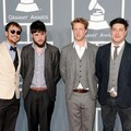 Mumford & Sons di Red Carpet Grammy Awards 2012