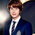 Kyuhyun di Promo Drama Musikal 'Catch Me If You Can'