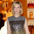 Cate Blanchett di Maison Louis Vuitton Roma Etoile Cocktail Red Carpet