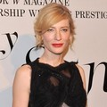 Cate Blanchett di Acara Video Instalasi 'The Ever Changing Face of Beauty'