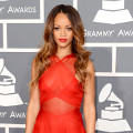 Rihanna di Red Carpet Grammy Awards 2013