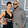 Alicia Keys dan Swizz Beatz di Red Carpet Grammy Awards 2013