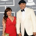 Simone Johnson dan LL Cool J di Red Carpet Grammy Awards 2013