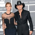 Faith Hill dan Tim McGraw di Red Carpet Grammy Awards 2013