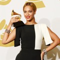 Beyonce Knowles Raih Piala Best Traditional R&B Performance