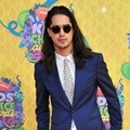 Avan Jogia di Orange Carpet Kids' Choice Awards 2014