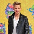 Cody Simpson di Orange Carpet Kids' Choice Awards 2014