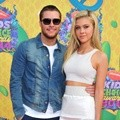 Jack Reynor dan Nicola Peltz di Orange Carpet Kids' Choice Awards 2014