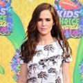 Zoey Deutch di Orange Carpet Kids' Choice Awards 2014