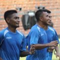 Ramdani Lestaluhu dan Firman Utina di Sesi Latihan Tim Indonesia All Star