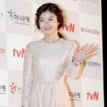Kim Yoo Jung di Red Carpet APAN Star Awards 2014