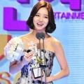Hyeri Girl's Day Raih Piala Female Rookie Award