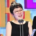 Park Seul Gi Raih Piala Excellence Award - Music/Talk Show