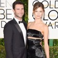 Adam Levine dan Behati Prinsloo di Red Carpet Golden Globe Awards 2015