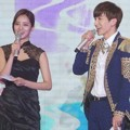 Leeteuk Super Junior dan Hyeri Girl's Day Menjadi Host Gaon Chart K-Pop Awards 2015