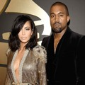 Kim Kardashian dan Kanye West di Red Carpet Grammy Awards 2015