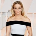 Reese Witherspoon Kenakan Gaun Off-Shoulder dari Tom Ford