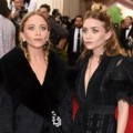 Mary-Kate dan Ashley Olsen Hadir di Met Gala 2015