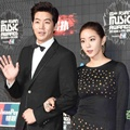 Lee Sang Yoon dan Uee After School di Red Carpet MAMA 2015