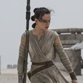 Daisy Ridley Perankan Karakter Rey di Film 'Star Wars: The Force Awakens'