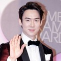 Yoo Yeon Seok di Red Carpet MBC Drama Awards 2015