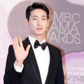 Yoon Park di Red Carpet MBC Drama Awards 2015