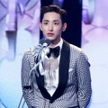 Lee Soo Hyuk Raih Piala Best New Actor (Mini-Series)