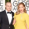 Casper Smart dan Jennifer Lopez di Red Carpet Golden Globes Awards 2016