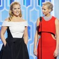 Amy Schumer dan Jennifer Lawrence di Golden Globe Awards 2016