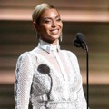 Beyonce Knowles Saat Bacakan Nominasi Grammy Awards 2016