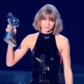 Taylor Swift Raih Piala Best Tour