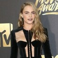 Cara Delevingne di Red Carpet MTV Movie Awards 2016