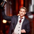 Ryan Reynolds Raih Piala Best Comedic Performance
