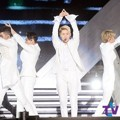 NU'EST Nyanyikan Lagu 'Overcome' di Dream Concert 2016