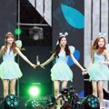 April Nyanyikan Lagu 'Tinker Bell' di Dream Concert 2016
