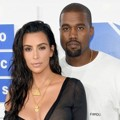 Kim Kardashian dan Kanye West di Red Carpet MTV Video Music Awards 2016