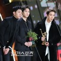 CN Blue Raih Piala Best K-Pop Band