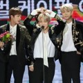 Bangtan Boys Saat Raih Piala Global K-Pop Artist Award