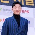 Ji Soo di Red Carpet Seoul Music Awards 2017