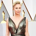 Charlize Theron di Red Carpet Oscar 2017