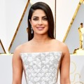 Priyanka Chopra di Red Carpet Oscar 2017