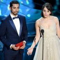 Riz Ahmed dan Felicity Jones di Oscar 2017
