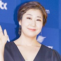 Ra Mi Ran di Red Carpet Baeksang Arts Awards 2017