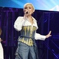 Penampilan Agnes Monica di HUT Global TV ke-15