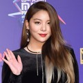 Ailee tampil cantik di red carpet MAMA 2017 Hong Kong.