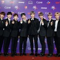 Wanna One di red carpet MAMA 2017 Vietnam.